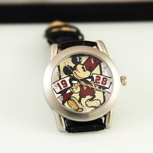 Vintage Men's Mickey Mouse Limited Release Watch